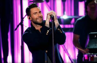 Maroon 5 & Adam Levine:  Effortlessly Sexy